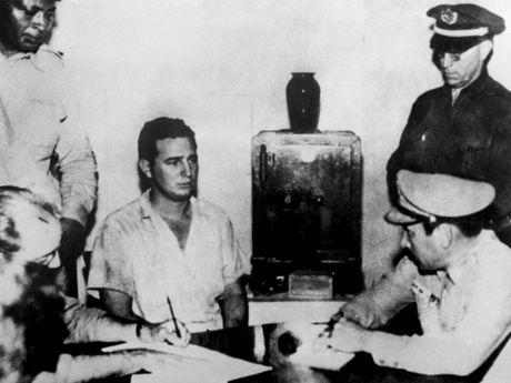 Cuoc doi lanh tu Cuba Fidel Castro qua anh - Anh 3