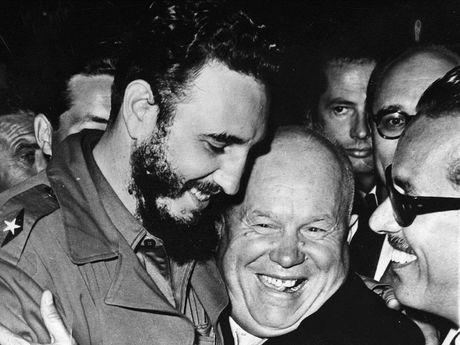 Cuoc doi lanh tu Cuba Fidel Castro qua anh - Anh 8