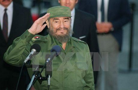 Fidel Castro va con tau Granma vuot bien tro ve To quoc - Anh 2