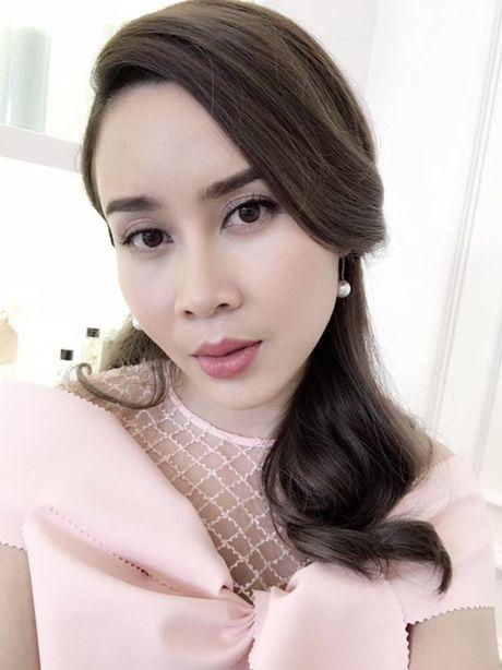 Bat ngo voi anh qua xinh cua Luu Huong Giang sau sua mui - Anh 2