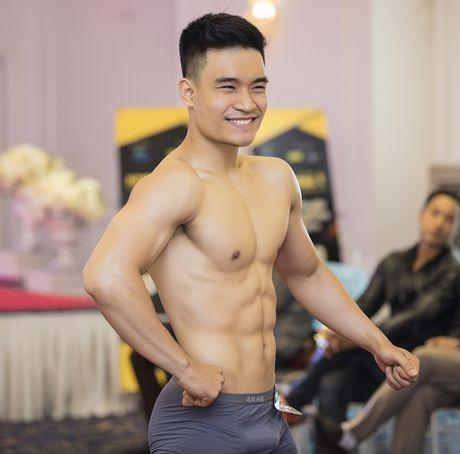 Khanh Ngan The Face bat chap gia lanh van mac xuyen thau - Anh 7