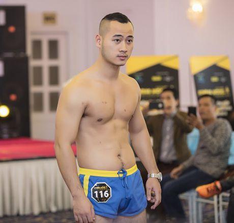 Khanh Ngan The Face bat chap gia lanh van mac xuyen thau - Anh 9