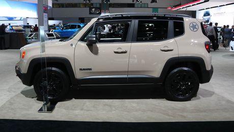 Renegade Deserthawk: Ban crossover dac biet cua Jeep - Anh 5