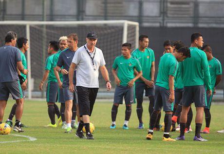 Tin tuc AFF Cup (26.11): DT Viet Nam 'chang ngan ai', HLV Singapore noi sung - Anh 6