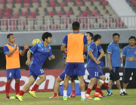 Truc tiep Viet Nam 0-0 Campuchia: Hiep mot bat dau - Anh 1