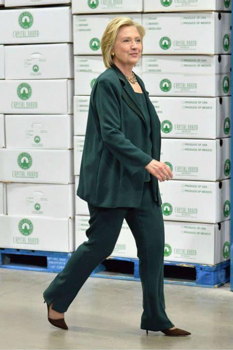 Ngam phong cach thoi trang quyen luc cua ba Hillary Clinton - Anh 10