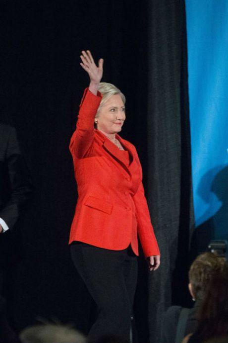 Ngam phong cach thoi trang quyen luc cua ba Hillary Clinton - Anh 11