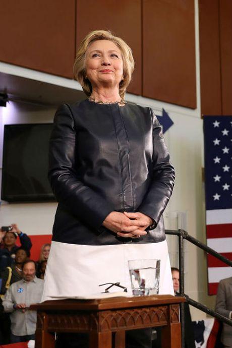 Ngam phong cach thoi trang quyen luc cua ba Hillary Clinton - Anh 13