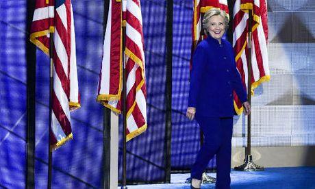 Ngam phong cach thoi trang quyen luc cua ba Hillary Clinton - Anh 2