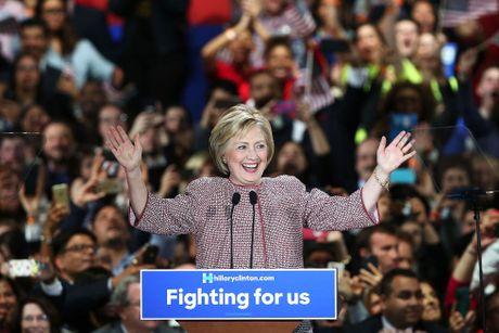 Ngam phong cach thoi trang quyen luc cua ba Hillary Clinton - Anh 7