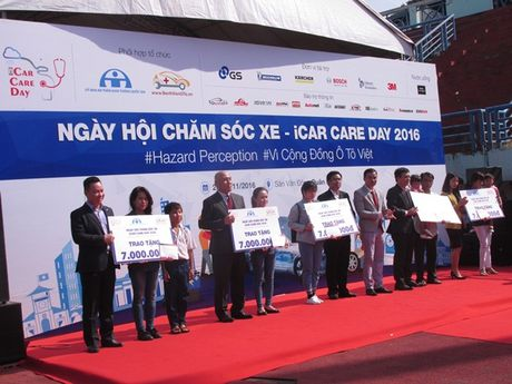 Hon 400 o to tham gia Ngay hoi cham soc xe- iCar Care Day 2016 - Anh 1