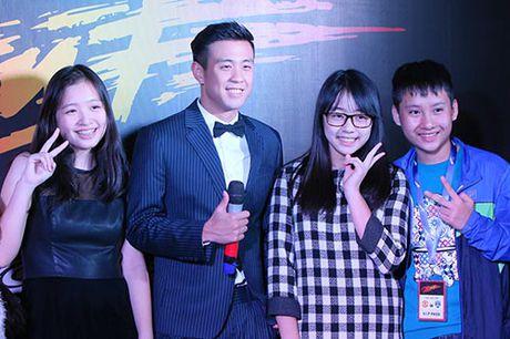 Phim 'Sut' ham nong bau khong khi Ha Noi bang tinh yeu bong da - Anh 2