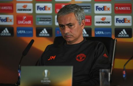 Mourinho tin M.U van con co hoi vo dich Premier League - Anh 1