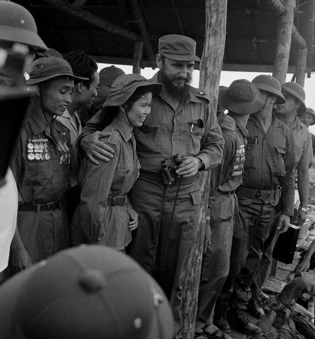 Lanh tu Cuba Fidel Castro va cau noi bat hu voi nguoi dan Viet Nam - Anh 3