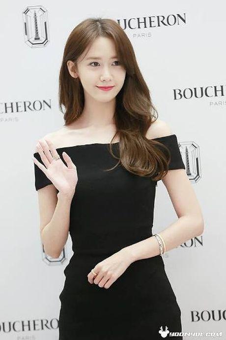 Nguoi dep 'co huong' Yoon Ah bat ngo duoc khen body nhu bup be - Anh 10