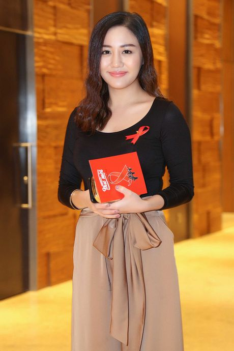 Ngoc Thanh Tam cung dan sao Viet keu goi chong phan biet doi xu voi nguoi nhiem HIV - Anh 10