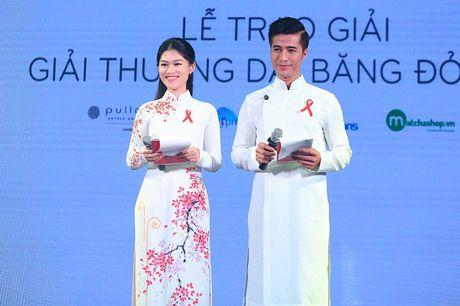 Ngoc Thanh Tam cung dan sao Viet keu goi chong phan biet doi xu voi nguoi nhiem HIV - Anh 1