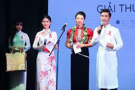 Ngoc Thanh Tam cung dan sao Viet keu goi chong phan biet doi xu voi nguoi nhiem HIV - Anh 2