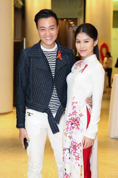 Ngoc Thanh Tam cung dan sao Viet keu goi chong phan biet doi xu voi nguoi nhiem HIV - Anh 4