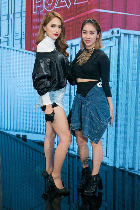 Huong Giang Idol ket hop cung Trinh Thang Binh 'dai nao' The Remix 2017 - Anh 2