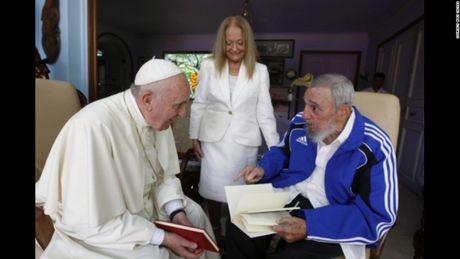 Hinh anh cuoi doi cua co Chu tich Fidel Castro qua ong kinh con trai - Anh 5