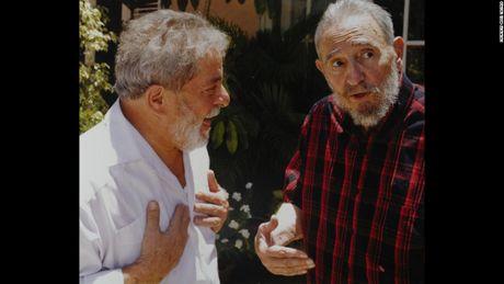 Hinh anh cuoi doi cua co Chu tich Fidel Castro qua ong kinh con trai - Anh 6