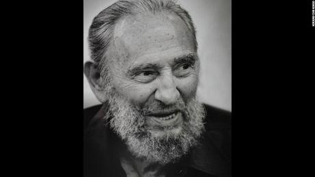 Hinh anh cuoi doi cua co Chu tich Fidel Castro qua ong kinh con trai - Anh 8