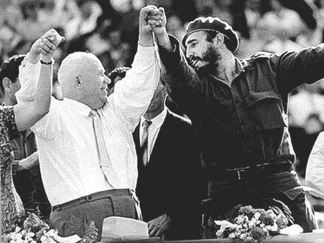 Cuoc doi cuu Chu tich Cuba Fidel Castro qua anh - Anh 8
