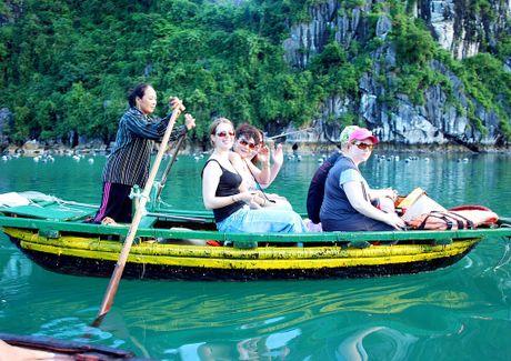 11 thang, khach quoc te den Viet Nam tang 25,4% - Anh 1