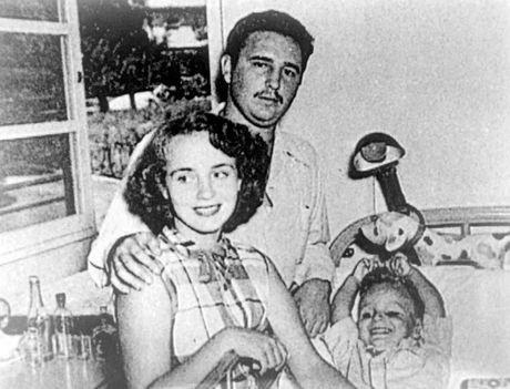 Cuoc doi lanh tu cach mang Cuba Fidel Castro qua anh - Anh 2