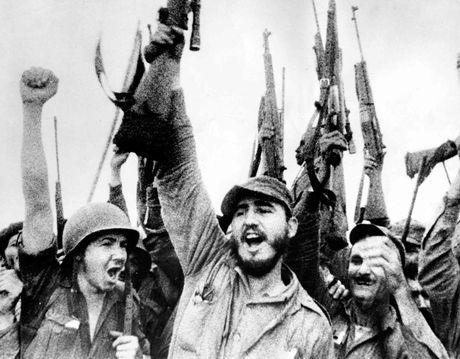 Cuoc doi lanh tu cach mang Cuba Fidel Castro qua anh - Anh 3