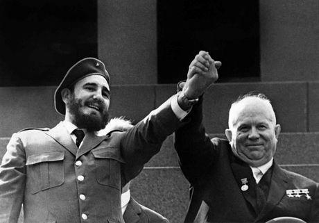 Cuoc doi lanh tu cach mang Cuba Fidel Castro qua anh - Anh 6