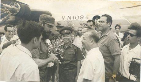 Lanh tu cach mang Fidel Castro: 'Vi Viet Nam, Cuba san sang hien dang ca mau cua minh' - Anh 3