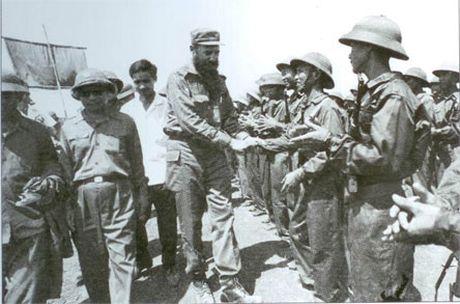 Lanh tu cach mang Fidel Castro: 'Vi Viet Nam, Cuba san sang hien dang ca mau cua minh' - Anh 4