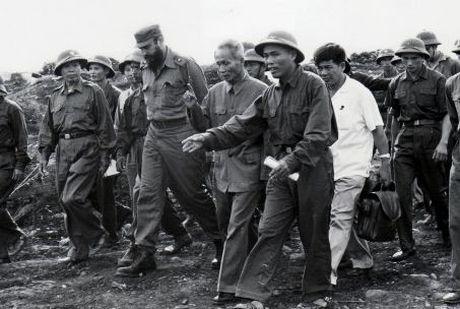 Lanh tu cach mang Fidel Castro: 'Vi Viet Nam, Cuba san sang hien dang ca mau cua minh' - Anh 5