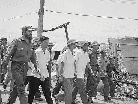 Lanh tu cach mang Fidel Castro: 'Vi Viet Nam, Cuba san sang hien dang ca mau cua minh' - Anh 7