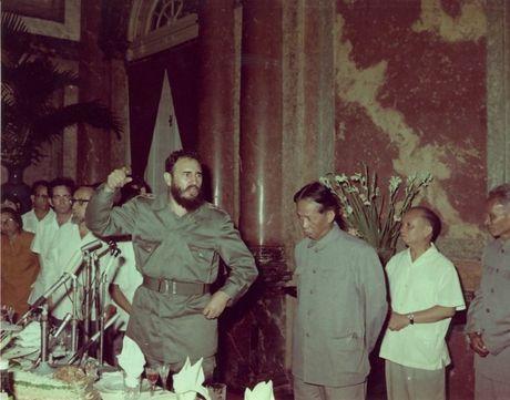 Lanh tu cach mang Fidel Castro: 'Vi Viet Nam, Cuba san sang hien dang ca mau cua minh' - Anh 8