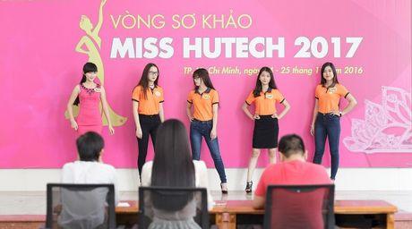 Hoa hau Sang Le tung hung giup thi sinh Miss Hutech khoi run - Anh 10
