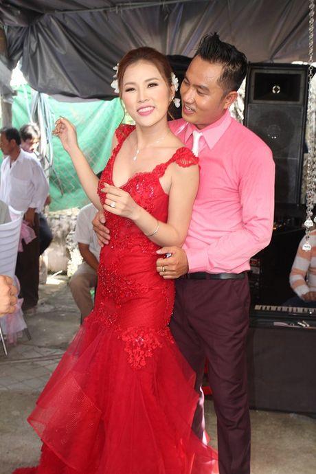 Chu re Thien Bao cung co dau Kim Yen nhay tung bung trong le cuoi - Anh 12