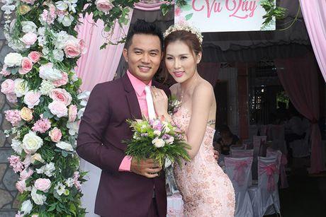 Chu re Thien Bao cung co dau Kim Yen nhay tung bung trong le cuoi - Anh 1