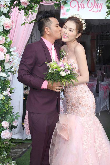Chu re Thien Bao cung co dau Kim Yen nhay tung bung trong le cuoi - Anh 8