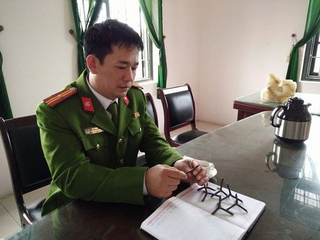 Thanh Hoa: Rai dinh 4 chan tren quoc lo 1A de canh tranh lam an? - Anh 2