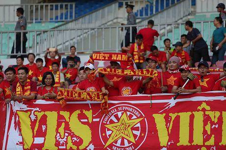 Thieu nguoi tu phut thu 7, DT Viet Nam van thang Campuchia - Anh 1