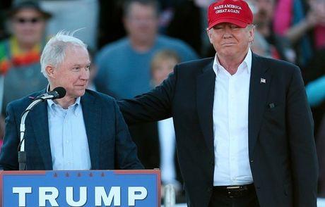 Noi cac duoi thoi ong Trump: Manh doi noi, giam doi ngoai - Anh 1