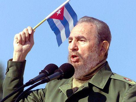 Nhin lai cuoc doi cua huyen thoai cach mang Fidel Castro - Anh 2