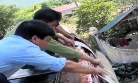 Bien phong Thanh Hoa bat doi tuong buon ban trai phep 315kg phao no - Anh 1