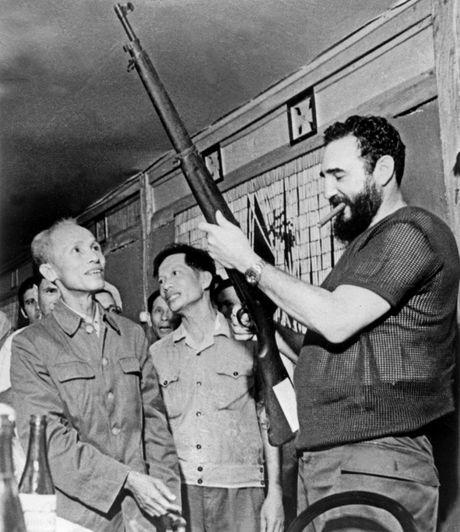 Ba lan tham Viet Nam cua lanh tu Fidel Castro - Anh 1
