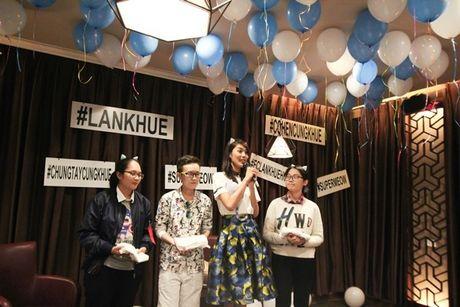 Lan Khue 'dung hinh' khi bi fan Ha Noi 'chat chem' - Anh 2