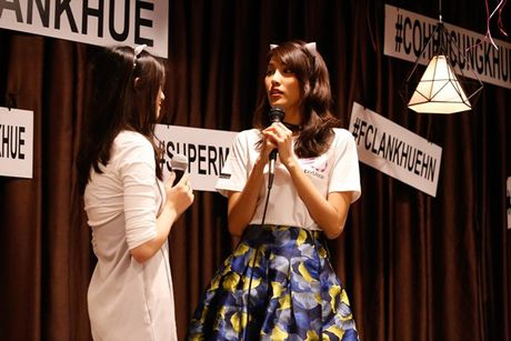 Lan Khue 'dung hinh' khi bi fan Ha Noi 'chat chem' - Anh 5