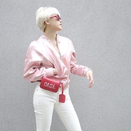 Phong cach thoi trang chang thua kem fashionista nao cua 'ban gai' Son Tung - Anh 14